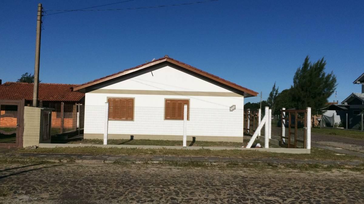 Casa Geminada 2 dormitórios em Capão da Canoa   Ref.: 6151